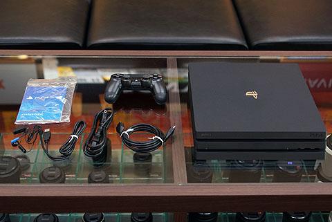 PS4Pro03.jpg